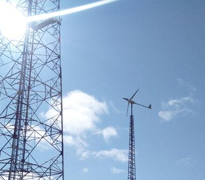 Instalación de aerogenerador de 6KW